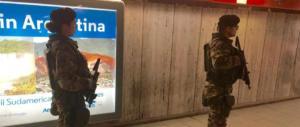 Roma, immigrato molesta una donna sulla metro e aggredisce i poliziotti