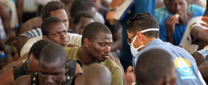 Accogliere i migranti è un salasso, 6 miliardi di euro: le coop se la ridono