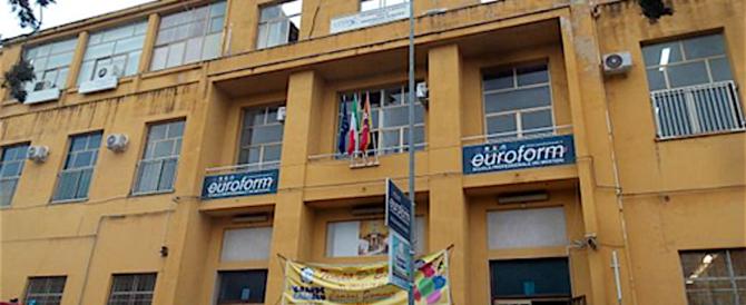 Palermo, crolla soffitto di una scuola: in quel momento non c'erano studenti