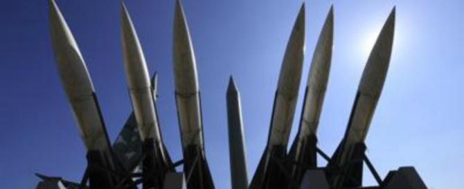 Putin mostra i muscoli: sottomarini nucleari, bombardieri e missili