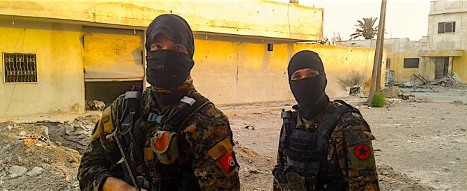 """I terroristi dell'Isis abbandonano Raqqa, la loro """"capitale"""" in Siria"""