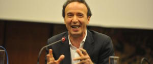 Il progressista Benigni possiede 21 case e una villa alla Maddalena