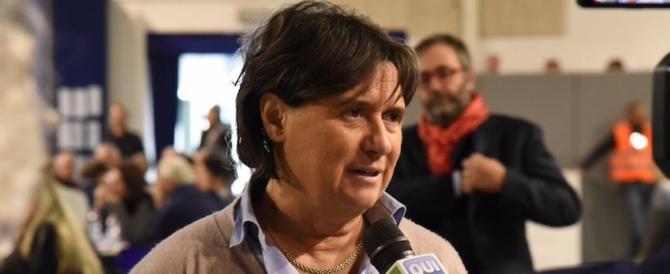 """""""Ha 14 immobili e sta in affitto dai preti"""". FdI contro la big renziana (che querela)"""