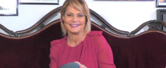 Weinstein, Simona Ventura contro Asia: «Non puoi pretendere compassione…»