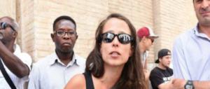 Intralciò lo sgombero dei migranti: denunciata la figlia di Padoan (video)