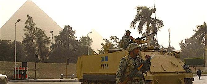 Egitto, i militari scovano e distruggono cinque covi dei terroristi nel Sinai