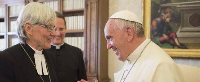 """La chiesa luterana abolisce """"Lui"""" e """"Signore"""": """"Sono termini maschilisti"""""""