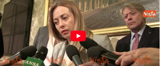 Meloni: «Non è vero che si vince al centro, servono identità forti» (video)