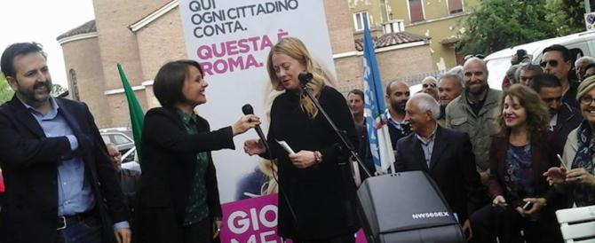 Ostia al voto, la Meloni lancia Monica Picca: «Con lei le persone perbene» (video)