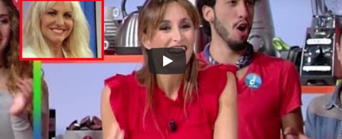 La Parodi sbaglia la maionese e litiga con la Clerici: «Che fenomeno…» (video)