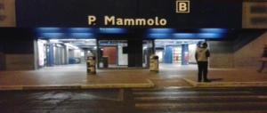 Roma, saltano i tornelli della metro. Testate al carabiniere donna che li ferma