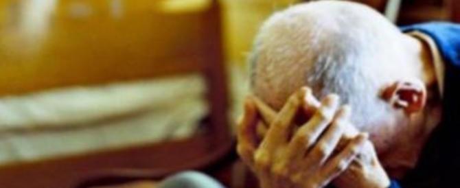 Legavano e torturavano gli anziani in casa: la ferocia di una banda di rom