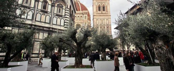 Nudo e ubriaco vaga per le vie del centro di Firenze. La multa è ridicola