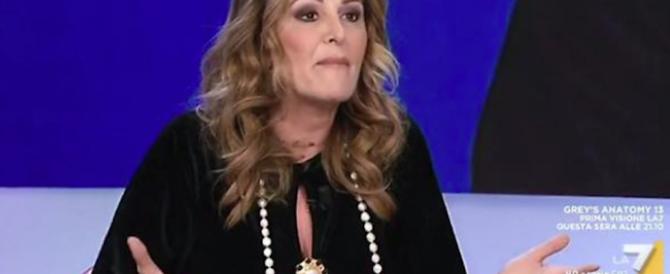 Santanché insultata in diretta: «Sei una putt…». E Fiano non solidarizza (video)