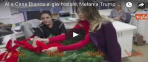 """È Melania la vera """"stella"""" di questo Natale alla Casa Bianca nel segno di Trump (VIDEO)"""
