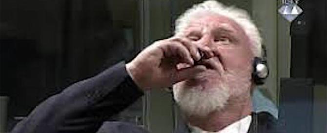 Generale croato urla la sua innocenza bevendo veleno in aula (video)