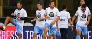 Calcio, adesivi con Anna Frank: la Lazio deferita al Tribunale federale