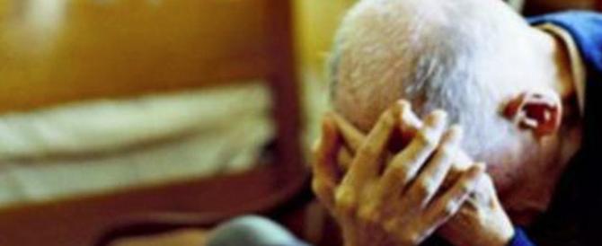 Anziano pestato e rapinato a Roma: presi un romeno e un peruviano