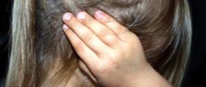 Bimba di 11 anni violentata e messa incinta: era un amico dei genitori