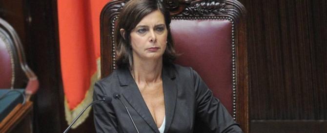Boldrini dà gli ordini: tassa sulla prima casa, più Ong e più migranti