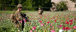 Per la prima volta gli Usa bombardano le piantagioni di oppio dei talebani