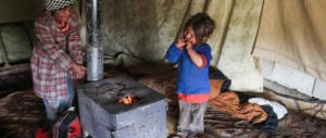 Siria, i terroristi islamici avvelenano i profughi: morte due bambine