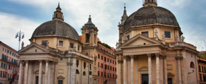 «Sono Gesù»: entra nella Chiesa di Piazza del Popolo e rompe una statua