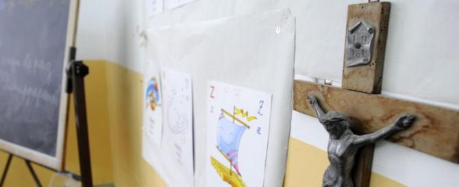 """Troppi crocifissi e preghiere in una scuola di Palermo: rivolta dei genitori """"atei"""""""