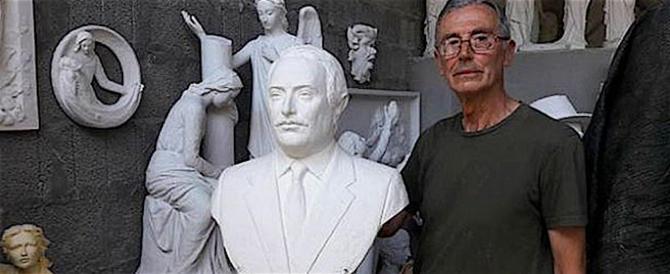 Palermo, torna al suo posto la statua di Giovanni Falcone allo Zen