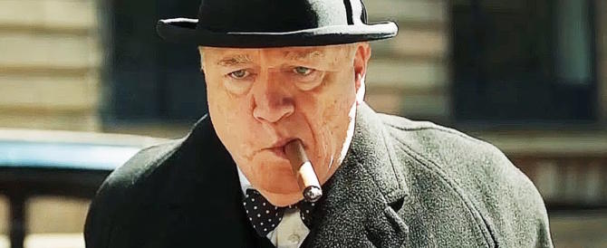 Cinema, in GB si celebra l'epopea di Churchill. A noi tocca Checco Zalone