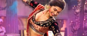10 milioni di rupie a chi brucia l'attrice di un film storico. Accade in India