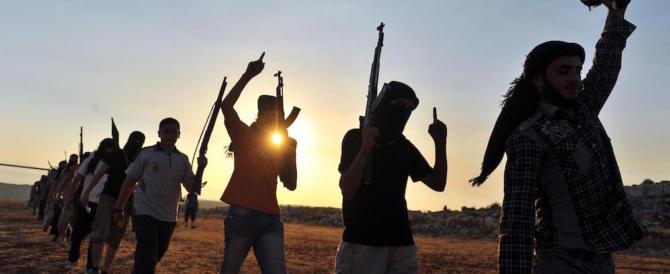 """I servizi francesi: non c'è per ora un rientro nel Paese dei """"foreign fighters"""""""