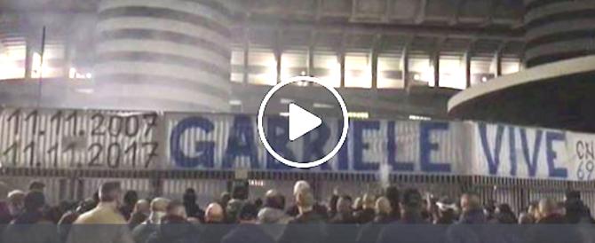 Dieci anni fa l'omicidio di Gabriele Sandri: il ricordo dei tifosi all'Olimpico (video)