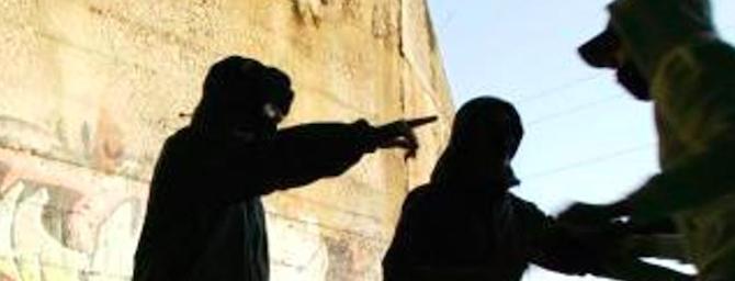 Spray urticante per rapinare i turisti: arrestati due egiziani alla stazione Termini
