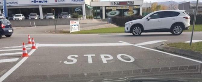 """A Gorizia la scritta """"Stop"""" diventa """"Stpo"""". L'ilarità del web"""