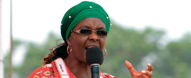"""Grace Mugabe, ecco chi è la first lady dello Zimbabwe detta anche """"Dis-Grace"""""""
