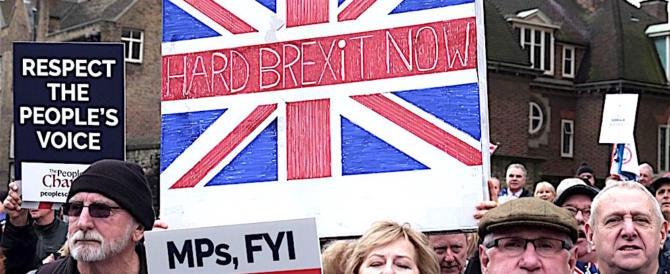 """Adesso l'Europa ha paura della """"hard Brexit"""": ma che si aspettava?"""