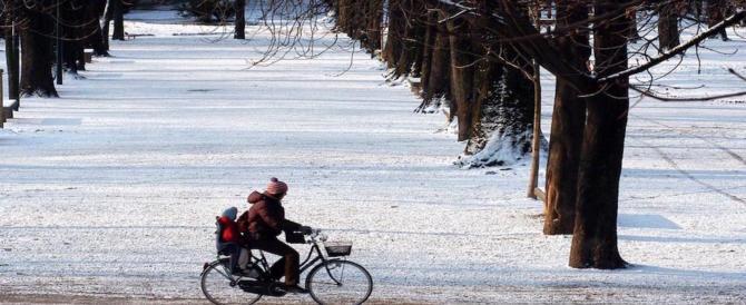 Meteo, arriva il gelo: nevicate anche a bassa quota nel ponte dell'Immacolata