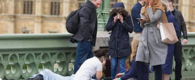 """L'islamica indifferente tra i morti di Londra? """"Una fake news russa"""". Ma i dubbi restano"""