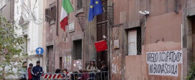 Roma, il liceo Virgilio sgomberato. Doveva parlare l'ex Br Piccioni