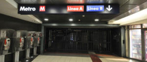 Stazione Termini, senza biglietto in metro: ghanese picchia il controllore