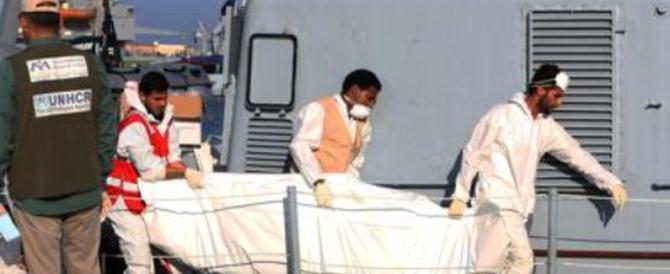 «Divorati dagli squali». È strage di migranti davanti alle coste libiche