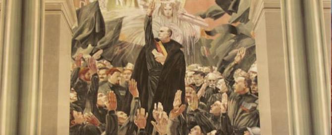Sgarbi a Ragusa scopre un quadro con Mussolini che saluta… Musumeci (foto)