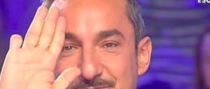 """Il dramma di Nicola Savino: """"A 7 mesi un'infermiera mi tagliò un dito"""" (video)"""
