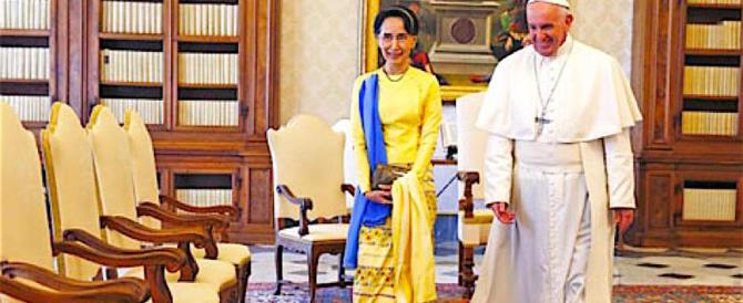 Il Papa si è piegato ai comunisti birmani e non ha difeso i rohingya