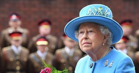 Panama Papers, c'è anche la regina Elisabetta. Ecco gli altri vip coinvolti