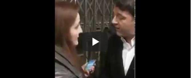 """Renzi in treno, ancora flop, sfottò e liti. """"Ma se perdi te ne vai?"""" (video)"""