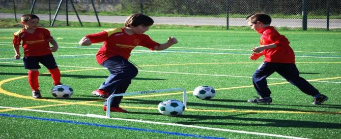 """""""Spaccagli le gambe"""": la follia di un padre sul campo di calcio"""
