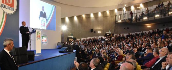 Berlusconi: «Con Meloni e Salvini cambierò l'Italia. Votare M5S è masochismo»