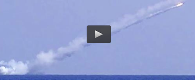 Sottomarino russo polverizza base Isis in Siria: tutta la sequenza (video)